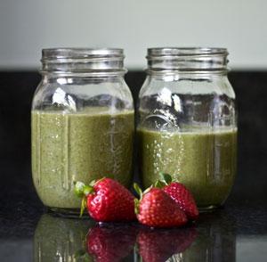 strawberry-green-smoothie
